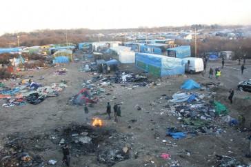 Overview_of_Calais_Jungle-364x242.jpg