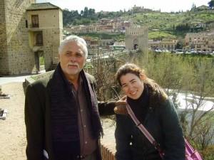 Miruna, ao lado do pai, em foto de 2006 (Arquivo pessoal)