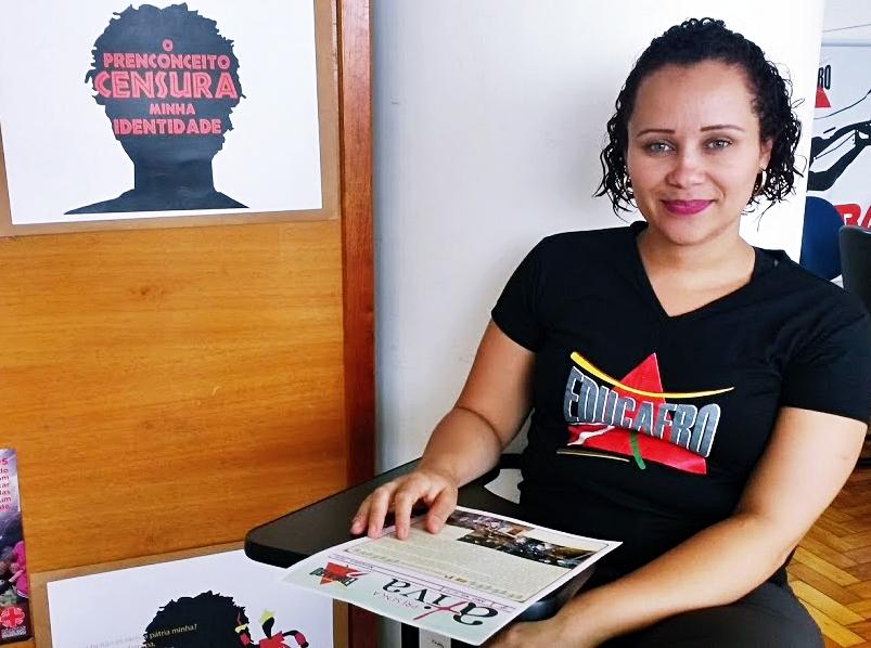 Noeli Carolina é também assistente social da Educafro Minas e responde pelos projetos da instituição como referência técnica. (Foto: Luana Pedra / Rede Fórum de Jornalismo)