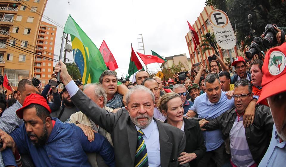 Resultado de imagem para Lula/Curitiba