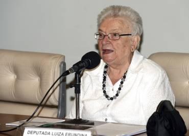"""Luiza Erundina: """"Recebia cartas com fezes e ameaças de bomba"""""""