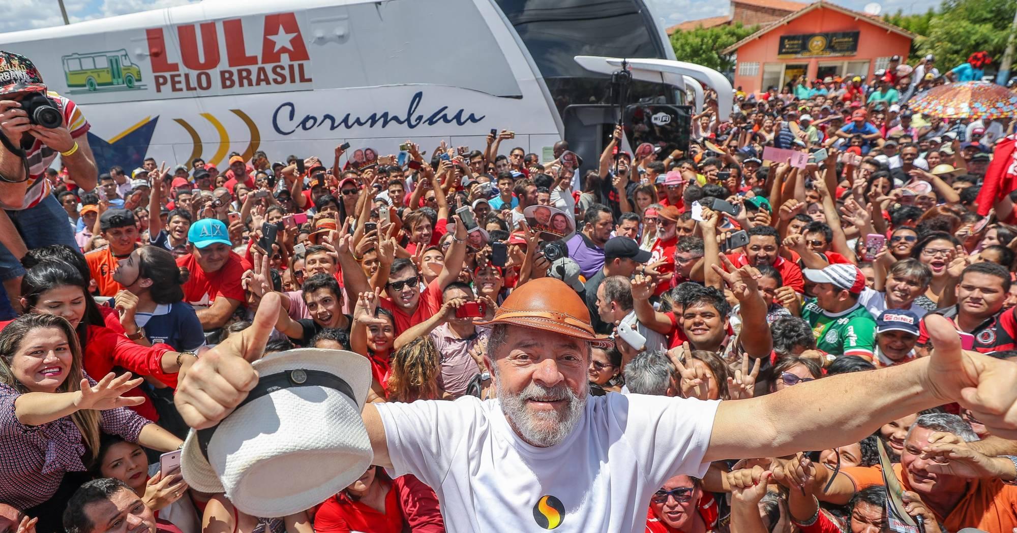 Resultado de imagem para Caravana Lula