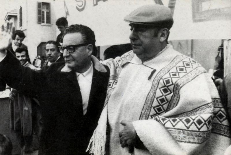 800px-Salvador_Allende_y_Pablo_Neruda.jpg