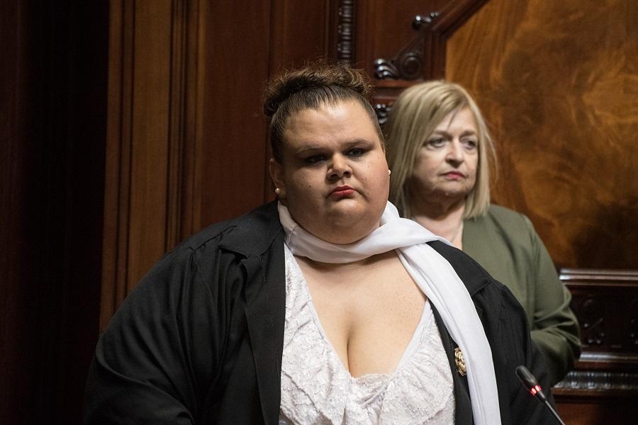 Senadora-trans-Commons.jpg