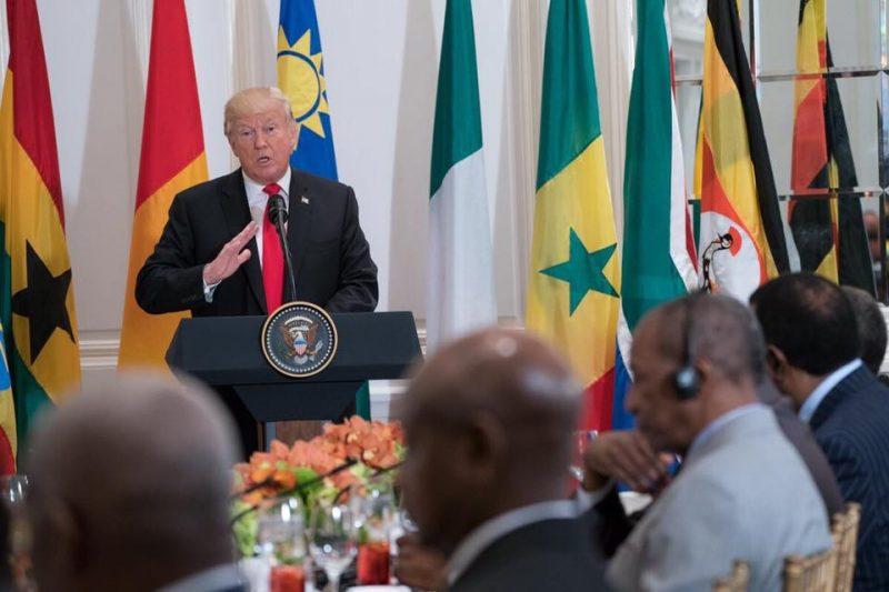 Após pressão internacional, Trump recua em sua política de separar crianças dos pais