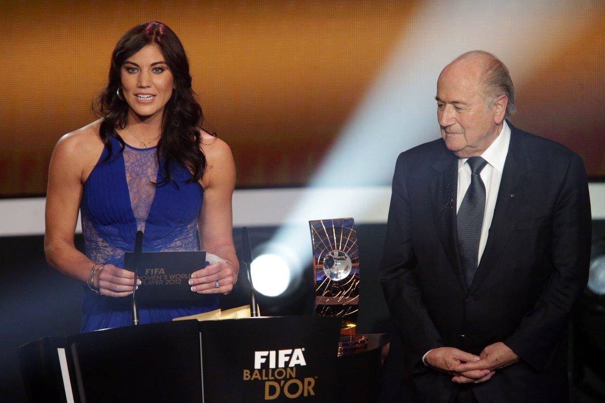 Hope-Solo-e-Joseph-Blatter-Reprodução-Twitter.jpg