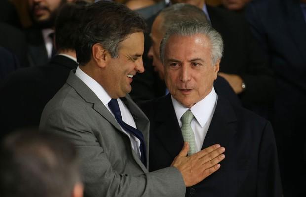 Aecio Neves e Michel temer rindo do povo Planilha encontrada pela PF revela que Aécio tem cota de cargos no governo Temer