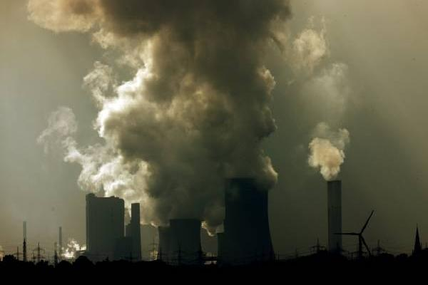 impactos-dos-combustiveis-fosseis-no-meio-ambiente-e-na-economia.jpg