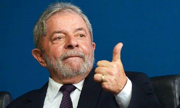 Manifesto contra perseguição a Lula chega a 80 mil assinaturas e ganha adesões internacionais