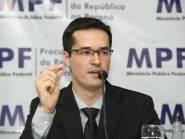 """Dallagnol confronta Bolsonaro por indicação de amigo do clã na PGR: """"O que deseja com esta nomeação?"""""""