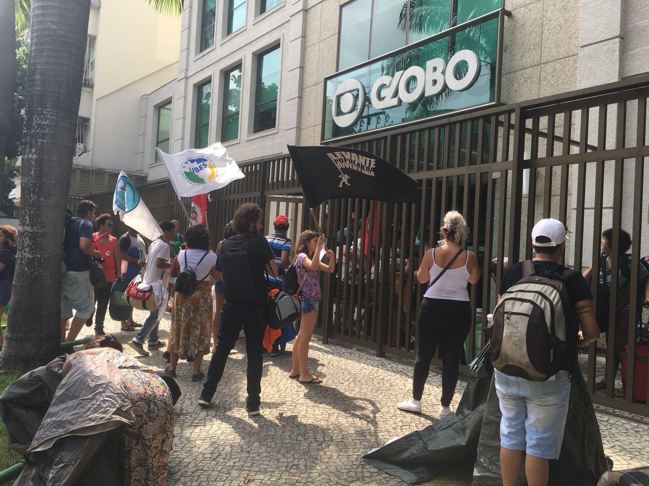 Prédio da Globo é ocupado pelo MST, veja as imagens