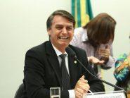 Bolsonaro disse que se aproximou de Paulo Guedes como de uma 'mulher gostosa'