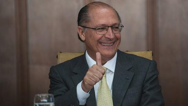 62992f3b195 Alckmin confunde o nome da própria vice