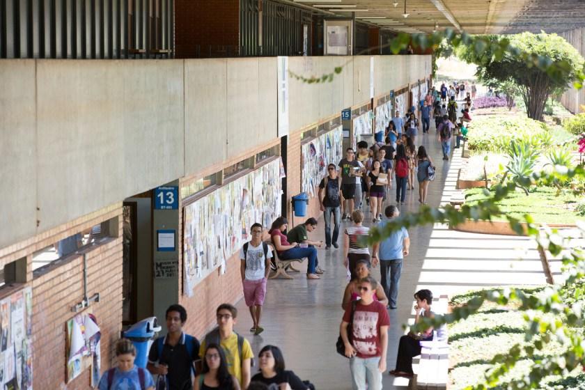 Governo Federal retira R$ 400 milhões de universidades públicas