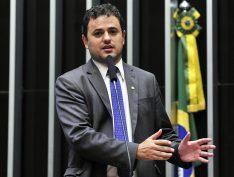 """""""Moro caiu na própria teia que armou no passado"""", diz Glauber Braga (PSOL-RJ)"""