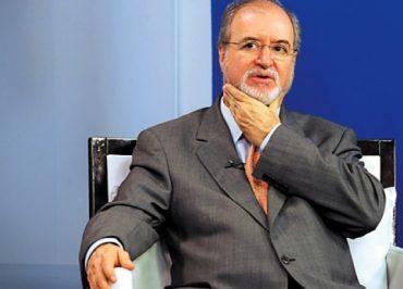 Justiça rejeita recurso por unanimidade e determina prisão de Azeredo