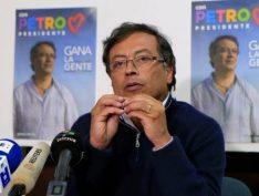Facebook tirou do ar a página do Petro, que foi candidato à presidência da Colômbia, e depois da pressão devolveu