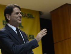 """Cid Gomes diz que Rodrigo Maia (DEM) """"inspira estabilidade"""" para presidir a Câmara"""