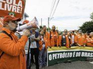 Petroleiros têm vitória histórica por direitos trabalhistas