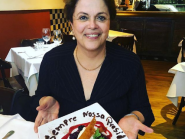 """Dilma é agraciada em restaurante com recado em prato: """"Sempre nossa presidenta"""""""