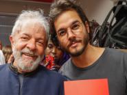 Túlio Gadêlha se junta à marcha 'Lula Livre' em Pernambuco