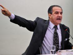 """Malafaia diz que Eduardo Bolsonaro ajudaria o pai se parasse de """"falar asneira"""""""