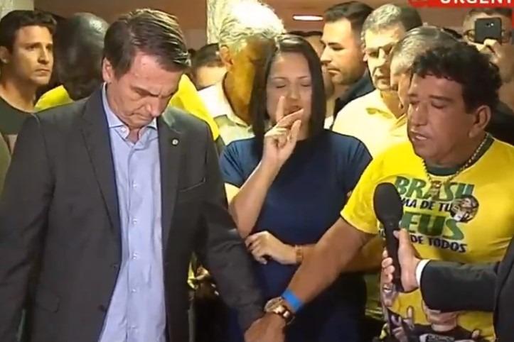 """Traição ou """"coisas da política"""" ? Bolsonaro confirma que Magno Malta não será ministro do seu governo"""