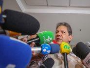 "Após escândalo de Bolsonaro, Haddad dispara: ""Basta prender um para entregar a quadrilha toda"""