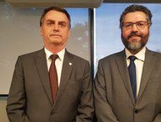 Chanceler de Bolsonaro surta em novo artigo sobre ideias e ideologia