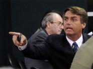 Bolsonaro acusa prefeitos de trocarem médicos brasileiros por cubanos