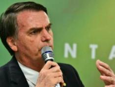 """Bolsonaro diz que """"solução"""" para a Venezuela virá """"em breve"""""""