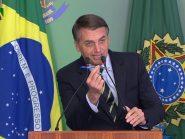 Bolsonaro assina decreto para facilitar posse de armas