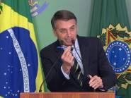 Pressionado, Bolsonaro revoga decreto de armas e anuncia projeto de lei