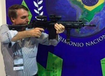 Após flexibilizar posse, Bolsonaro vai propor anistia para legalizar até 8 milhões de armas ilegais