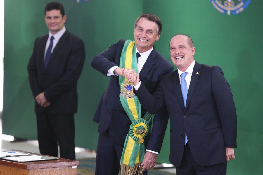 Bolsonaro aumenta oferta a deputados por reforma da Previdência: R$ 10 mi por semestre