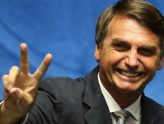 """Em missa na Paulista, padre diz: """"Bolsonaro não é aquilo que queríamos, mas foi o que Deus nos deu"""""""