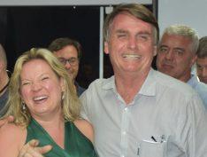 Joice Hasselmann vira meme ao bajular Bolsonaro no Pânico. Vídeo