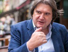 """Pedro Serrano: """"Lava Jato é um fenômeno de ação política de marketing, não é jurídico"""""""