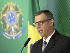 Sob ataques de Carlos Bolsonaro, Rêgo Barros afirma que continuará com cafés da manhã com jornalistas
