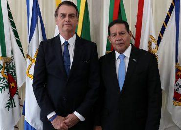 Crise com Mourão? Bolsonaro deleta de seu canal vídeo em que Olavo ataca militares