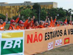 Petroleiros obtêm liminares contra MP de Bolsonaro que acaba com desconto em folha das mensalidades