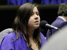 Cadê as provas: ministro do Meio Ambiente ataca Sâmia Bonfim, do PSOL, e leva invertida