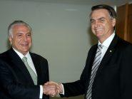 """""""Cada um responde por seus atos"""", afirma Bolsonaro sobre prisão de Temer"""