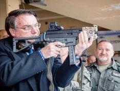 Bolsonaro já estuda mudanças no decreto das armas que libera venda de fuzil para qualquer cidadão