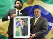 Léo Índio, sobrinho de Bolsonaro, é nomeado assessor de senador do DEM