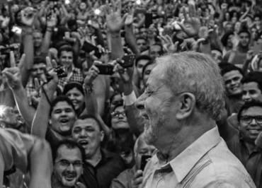 Com nove advogados, PSB vai ao STF para anular decisões que mantêm Lula preso
