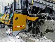Oito pessas morrem em acidente de ônibus a caminho do velório do ex-presidente do Peru
