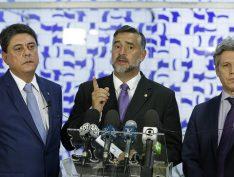 """Petistas protocolam petição para """"efetivo cumprimento"""" da decisão que autoriza entrevistas de Lula"""