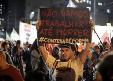 Governo Bolsonaro e relator negociam novo texto da reforma da Previdência