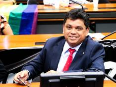 PL busca garantir acesso de casais homoafetivos a programas de moradia do governo